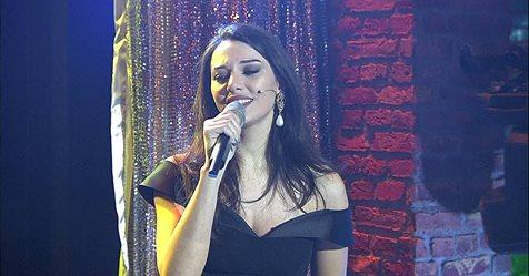 Tuvana Türkay Beyaz Show İncir Şarkısı İzle indir dinle