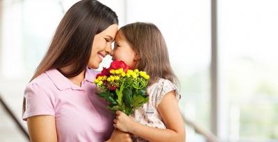 En güzel Anneler Günü şiirleri, sözleri ve resimli mesajları