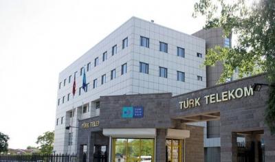 Deprem sonrası yüz binlerce kişinin numarasını taşıdığı Türk Telekom'dan Twitter'da 'Bot' Tweet Taktiği