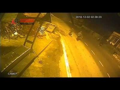 Kayabaşı'ndaki Bakkal Hırsızları Kameraya Yakalandı!